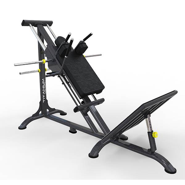 Hack 45° com Anilhas Titanium Fitness Special